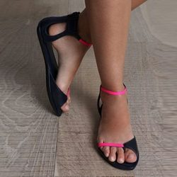 Was And Now - Shoespie Toe Ring Color Block Line-Style Buckle Flat Sandals