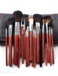 18Pcs Wolf Hair Professional Cosmetic Brush Set