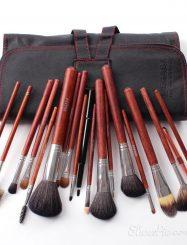 18Pcs Wolf Hair Wood Handle Cosmetic Bush Set