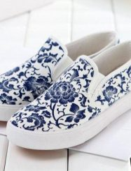 Classic Blue and White Porcelain Print Flats